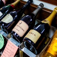Choosing the Right Wine to Serve With Dinner: How an Expert at a Local Wine Store Can Help