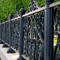 Let an Experienced Fencing Contractor in St Paul Provide the Perfect Enclosure